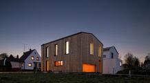 Streamside energy-efficient home in Bergkirchen (Oberbachern, Dachau District)